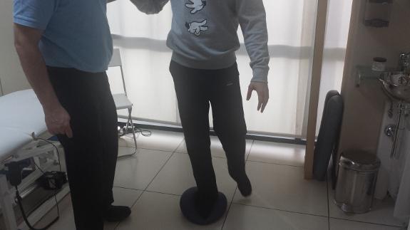 El tratamiento trabaja también los problemas de coordinación y equilibrio.