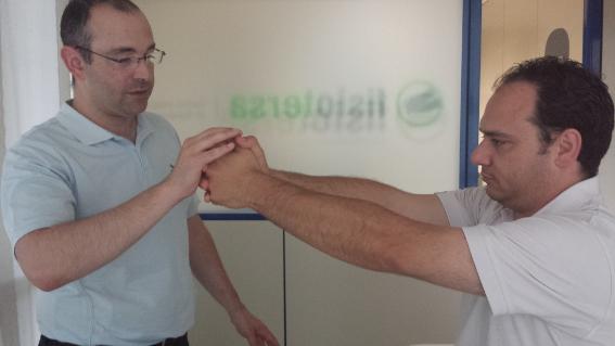 El método Bobath trabaja el fortalecimiento y movilidad de los miembros.