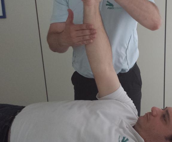 Su fisioterapeuta le ayudará a realizar ejercicios para fortalecer sus músculos.