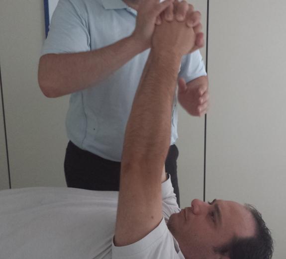 Los ejercicios asistidos por su fisioterapeuta se centrarán en las secuelas más graves.