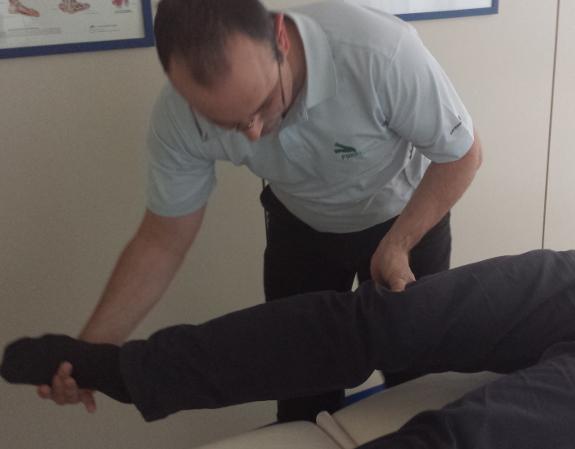 La terapia del Parkinson incluye ejercicios y masajes.