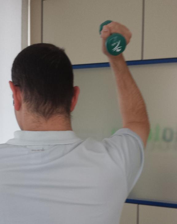 La constancia al realizar ejercicios fisioterapéuticos alivia los  dolores de la distrofia.