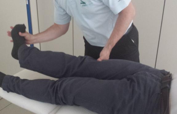 Los ejercicios fisioterapéuticos le ayudarán a trabajar la musculatura de sus piernas.