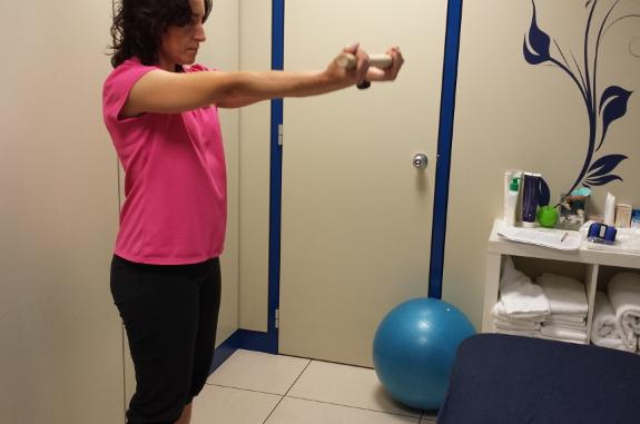 Los fisioterapeutas le le mostrarán cómo hacer ejercicios para desarrollar el equilibrio.