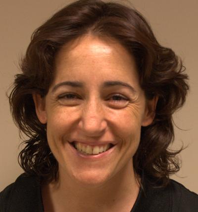 Esther es una de la profesionales que puede atender a su hijo en Fuenlabrada.