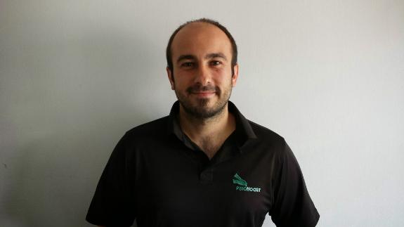 Oier es uno de los fisioterapeutas que le atenderá en Bilbao.