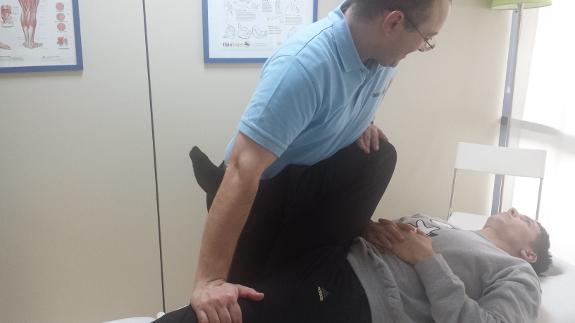 En el barrio de Retiro puede ser atendido durante el fin de semana de su tratamiento de Parkinson.