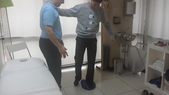 La ayuda de su fisioterapeuta será clave para tener una buena vuelta a casa después de un ictus.